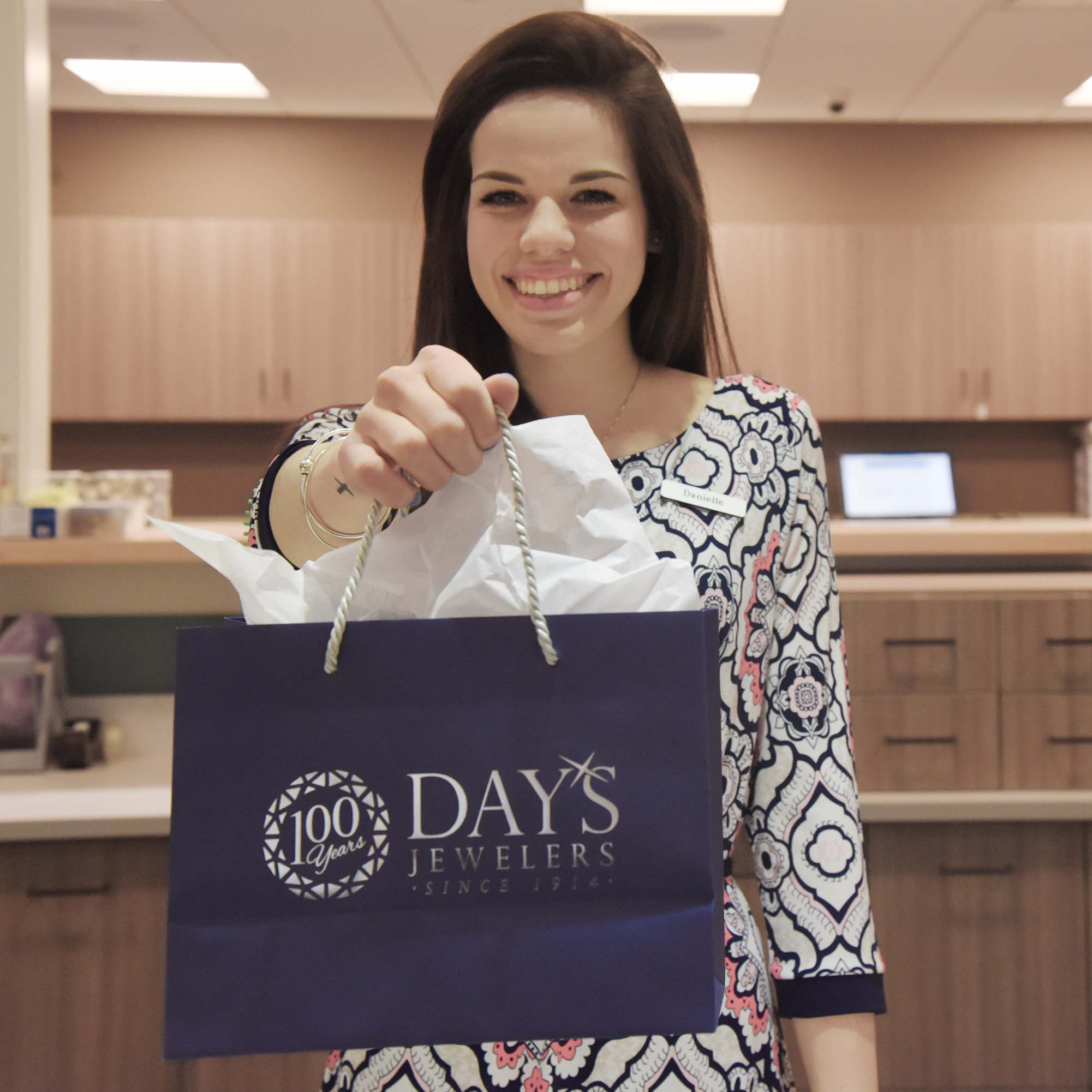 Day's Layaway and Credit Programs - photo#21