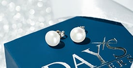 fall 2020 gifts pearl earrings